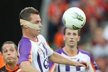Shane Smeltz needed surgery after receiving a horrific gash under his nose. CLICK EXPAND FOR GRAPHIC IMAGE. Photo / Getty Images