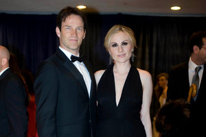 Anna Paquin and her husband, Stephen Moyer, arrive at the White House Correspondents' Association Dinner.  Photo / AP