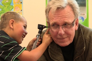 Journalist Bryan Bruce in a scene from the documentary 'Inside Child Poverty.' Photo / Supplied