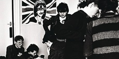 David Maclennan, Robert Smith and Nigel Elder from Neoteric Tribesmen. Standing is The Cure's Simon Gallup and, at right, Stephen Norris and Kate Walker from Naked Spots Dance. Photo / Charles Jameson