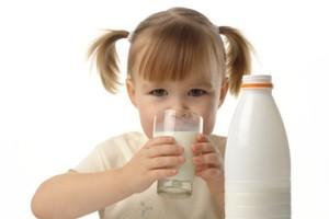 Dairy giant Fonterra will reduce its domestic milk price from the end of the month. Photo / Thinkstock