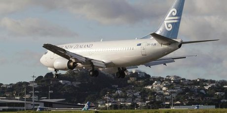 An Air New Zealand Boeing 737 landing at Wellington Airport. Photo / Mark Mitchell
