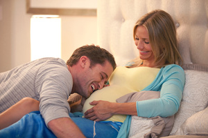 Matthew Morrison, left, and Cameron Diaz are shown in a scene from 'What to Expect When You're Expecting.' Photo / AP