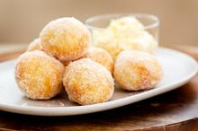 Fried apple doughnuts with vanilla mascarpone. Photo / Babiche Martens