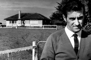 Bruce Hutton at the Crewe house during the 1970 murder investigation. File photo / NZ Herald