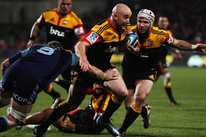 Brendon Leonard of the Chiefs makes a break towards the line.  Photo / Getty Images