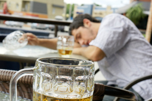 Otago University's Vice-Chancellor says former students would be 'rookies' compared to scarfies now when it comes to drinking. Photo / Thinkstock