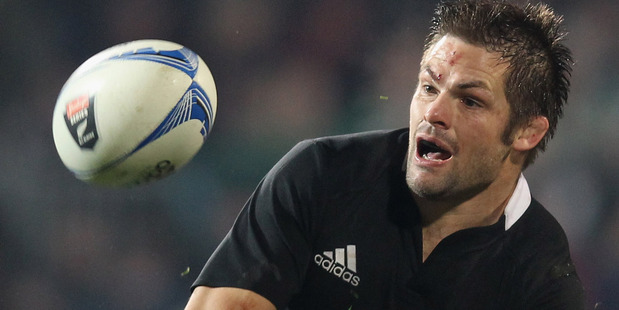 All Blacks captain Richie McCaw and his men will have to knuckle down in Hamilton after their poor effort in Christchurch. Photo / Getty Images.