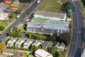 29-31 Wilkinson Rd can be used as an existing data centre, converted to offices or possibly be redeveloped for residential. Photo / Bruce Clarke