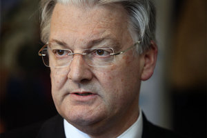 United Future leader Peter Dunne isn't impressed by the decision to allow Kiwi FM an extension to broadcast on a public frequency. Photo /  NZ Herald