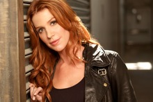Poppy Montgomery stars as Detective Carrie Wells alongside Dylan Walsh as Lieutenant Al Burns. Photo / Supplied