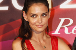 Katie Holmes may not receive anything from her divorce to Tom Cruise because of a pre-nup agreement. Photo / AP