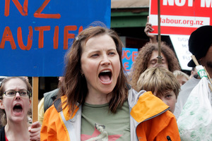 Lucy Lawless should stop protesting. Photo / Doug Sherring
