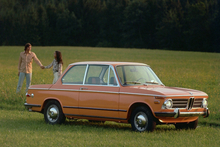 The 1966 BMW 1802 has wonderfully direct steering, lig