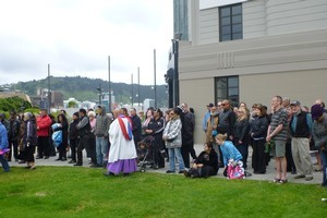 Mourners braved a blustery Wellington waterfront this morning to publicly farewell Ben Hana, the Blanket Man. Photo / Hana-Garrett-Walker