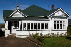 Agents are bringing auctions forward to capitalise on the heavy demand in Auckland. Photo / Sarah Ivey