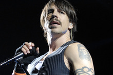 Anthony Keidis performs with the Red Hot Chili Peppers at Vector Arena in 2007. Photo / Michael Craig