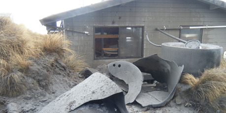 Debris hurled from Mt Tongariro badly damaged the Ketetahi hut. Photo / DoC