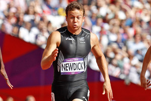 Brent Newdick runs the 100m sprint, his first event in the men's Olympic decathlon. Photo / Mark Mitchell NZ Herald