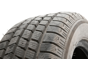 A man suffered major injuries when two rear wheels came off a truck and hit his car. Photo / Thinkstock