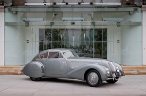 A rare Bentley that raced at Le Mans in 1939 has been returned home to the carmaker's heritage showroom at Crewe.