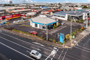 The ANZ bank at 2 Walls Rd, Penrose, stands on a site with a generous car park.