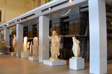 Ancient statues and hulking machines that once used to generate electricity stand side-by-side in the Museo della Centrale Montemartini. Photo / Creative Commons image by Wikimedia user Opera propria