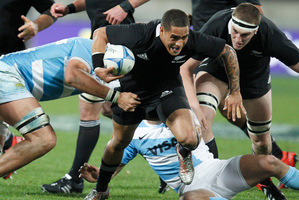 All Blacks halfback Aaron Smith on attack against Argentina. Photo / Mark Mitchell