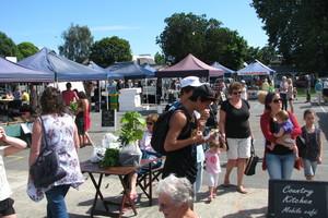 Tauranga's bustling Farmers Market is on each Saturday morning at Tauranga Primary School. Photo / Bay News