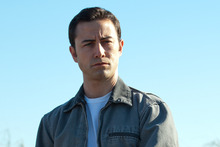Joseph Gordon-Levitt rose t