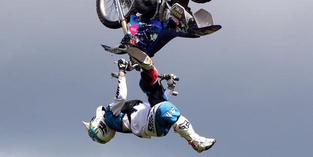 Head injuries were not enough to keep Luke Smith off his bike. Photo / Doug Sherring
