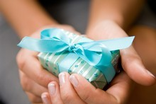 A gift that you give to yourself rather loses its charm. The same goes for KiwiSaver employer contributions. Photo / Thinkstock