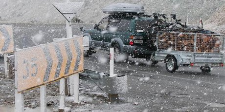 A fast-moving front brought snow to Porters Pass and sent temperatures plummeting across the South Island during the weekend. Photo / SNPA