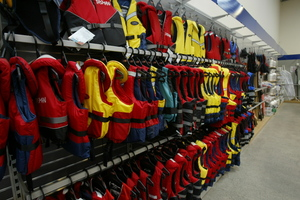 A 2011 survey showed the number of fishers who said they never wore lifejackets had changed over six years from 72 per cent to 37 per cent. Photo / APN