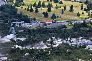 The SilverOaks Geyserland in Rotorua overlooks the popular Whakarewarewa thermal valley.