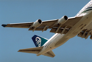 An Air New Zealand jumbo jet. Photo / Gillianne Tedder/Bloomberg News