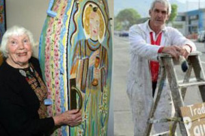 Unorthodox painters: Greytown's Mary Wait, left, and Dunedin tradesman Rex Groves. Photo / Wairarapa Times Age / Otago Daily Times