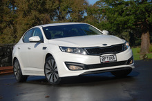 Kia's Optima EX is well set up but is a bit greedy. Photo / Jacqui Madelin
