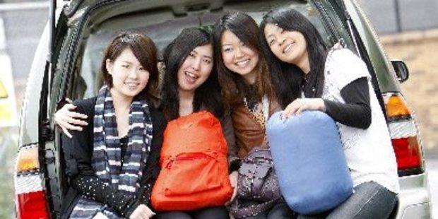 Northland has rallied around ripped off Japanese tourists Chisa Maetaka (left), Yuki Komori, Megumi Fujimoto and Ai Takada. Photo / Michael Cunningham