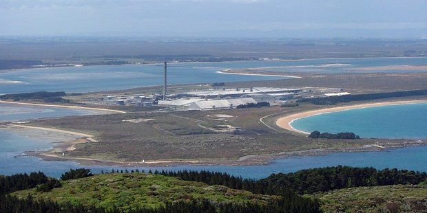 Tiwai Point Aluminium Smelter, Bluff. Photo / Wikipedia Commons