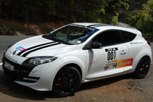 Renault's new Megane loves sport mode. Photo / Jacqui Madelin 