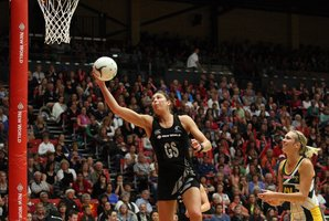 The Front Ferns feature most of New Zealand's frontline stars including Irene Van Dyk. Photo / Andrew Warner