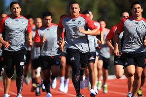 Sio Siua Taukeiaho (C) runs in a fitness drill during a Warriors NRL training session at the Millenium Institute. Photo / Getty Images.