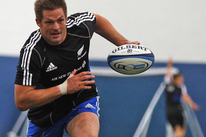 All Black skipper Richie McCaw takes part in a training session in Edinburgh. Photo / Getty Images
