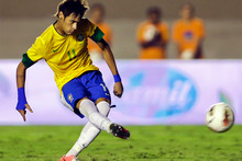 Neymar caught the eye for all the wrong reasons in New York last night at the end of a thrilling friendly between Colombia and his native Brazil. Photo / Getty Images.