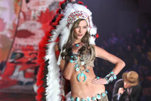 Karlie Kloss wore Indian headdress during the 2012 Victoria's Secret Fashion Show.Photo / AP