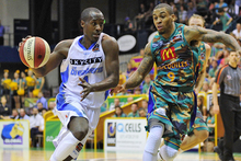 Cedric Jackson was superb for the Breakers, averaging 17.0 points, 11.5 assists, 2.0 steals and 3.5 rebounds for the week. Photo / Getty Images