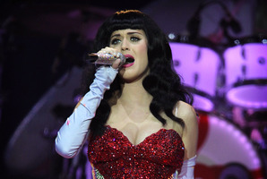 Pop star Katy Perry is falling for John Mayer. Photo / Greg Bowker