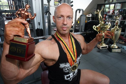 GOLD AND SILVER: Bevan Mackenzie has won a clutch of trophies and medals in regional and national competitions during the past two months. PHOTO/LYNDA FERINGA RIPPED: Bevan Mackenzie strikes a pose that garnered two silvers in national bodybuilding contes