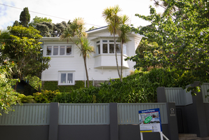 Bernard Hickey's Halifax Ave, Epsom, home reached $1,005,000 at auction. Photo / Richard Robinson
